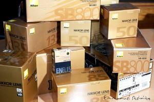des boites Nikon et encore des boites